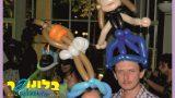 כובעי בלונים לחתונה עם דמויות